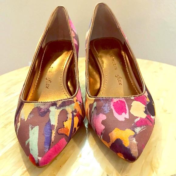 Anne Klein Shoes - Anne Klein Flex Floral Heels - Size 5.5